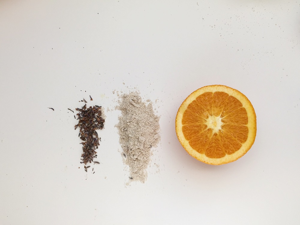 Orange Oatmeal Face Scrub / recipe by Betsy Munn for Hart & Honey