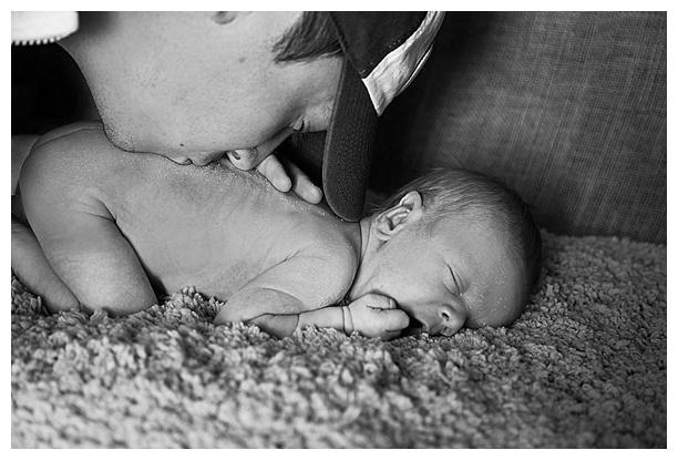 White-Baby-Newborn_0037.jpg