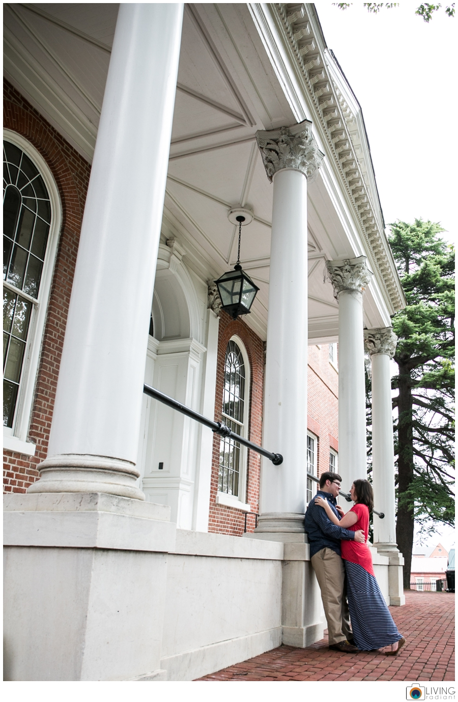 living-radiant-photography-erica-jim-annapolis-engagement-session_0005.jpg