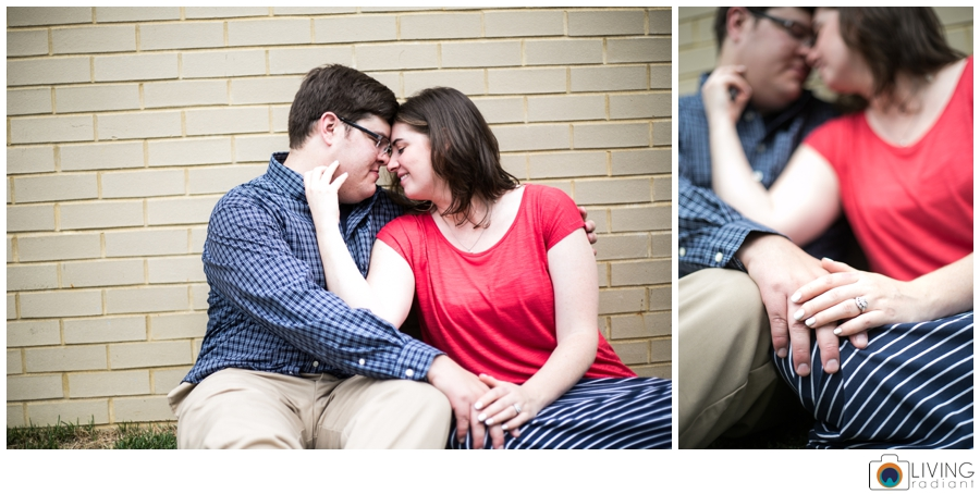 living-radiant-photography-erica-jim-annapolis-engagement-session_0024.jpg