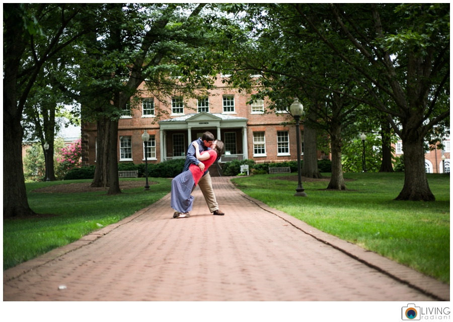 living-radiant-photography-erica-jim-annapolis-engagement-session_0031.jpg