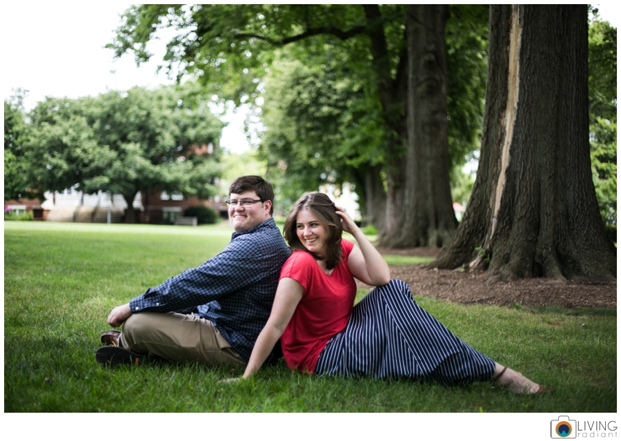 living-radiant-photography-erica-jim-annapolis-engagement-session_0035.jpg