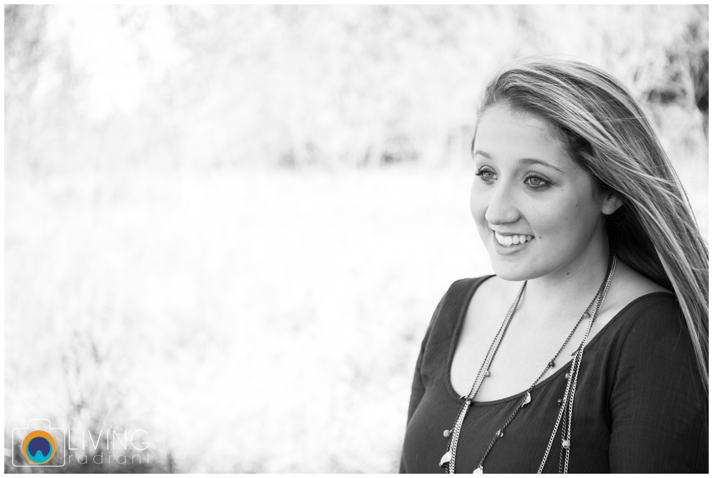 grace-nale-senior-portraits-outdoor-fall-living-radiant-photography-stomped_0003.jpg