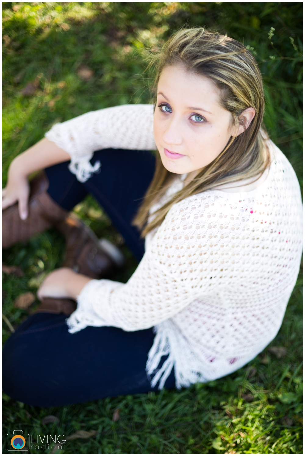 grace-nale-senior-portraits-outdoor-fall-living-radiant-photography-stomped_0011.jpg