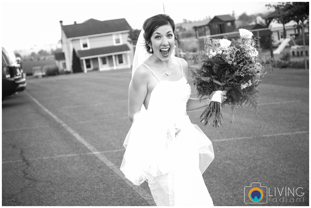 sara+chris-simons-wedding-belleville-winery-pa-living-radiant-photography_0021.jpg