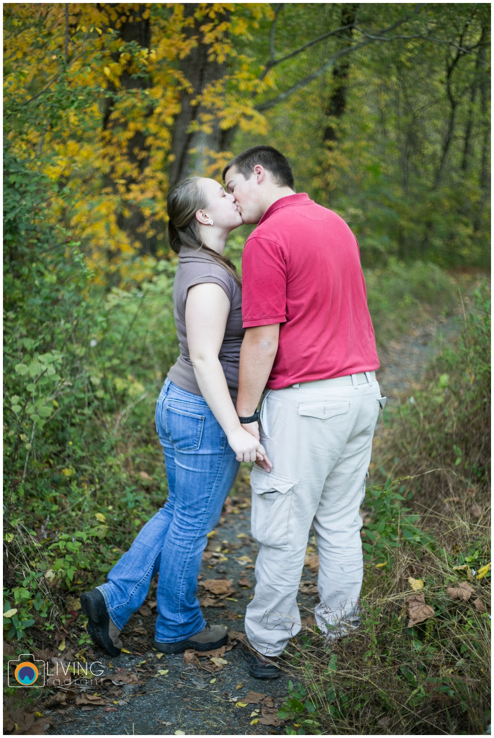 holley-ray-engaged-outdoor-engagement-session-woods-water-state-park-living-radiant-photography_0005.jpg