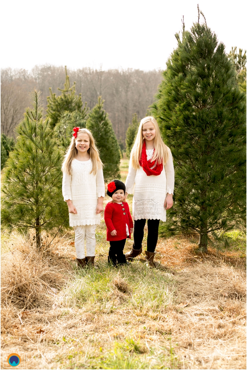 Higgins-Family-Tree-Farm-Family-Session-outdoor-living-radiant-photography_0007.jpg