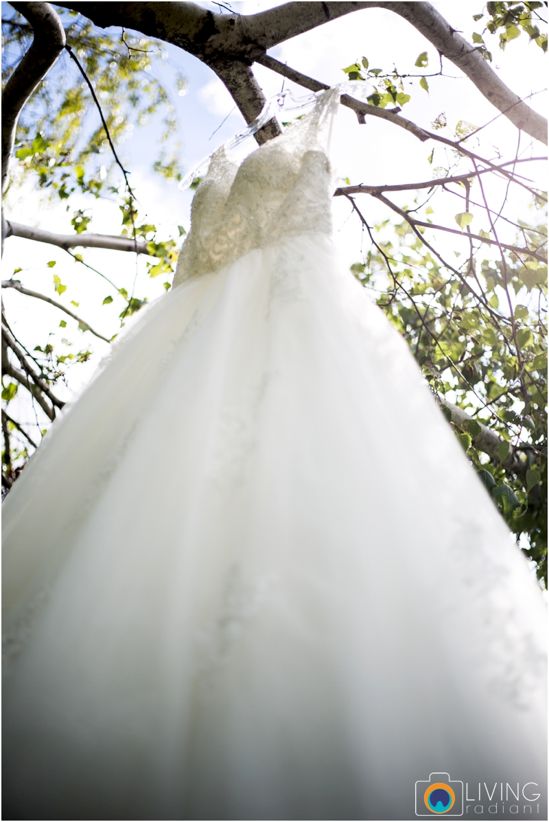 living-radiant-photography-marybeth-brad-wedding-pennsylvania-best-wedding-photographer_0001.jpg