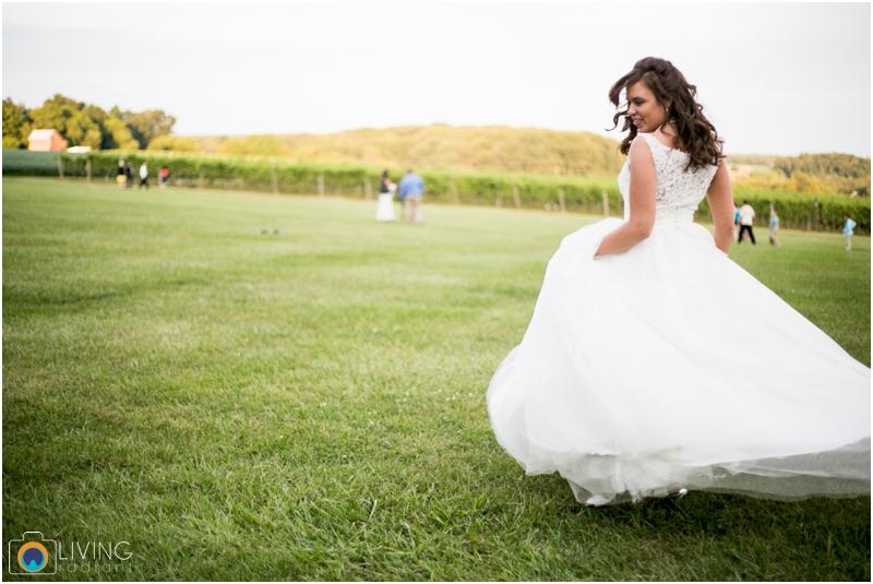 living-radiant-photography-marybeth-brad-wedding-pennsylvania-best-wedding-photographer_0025.jpg