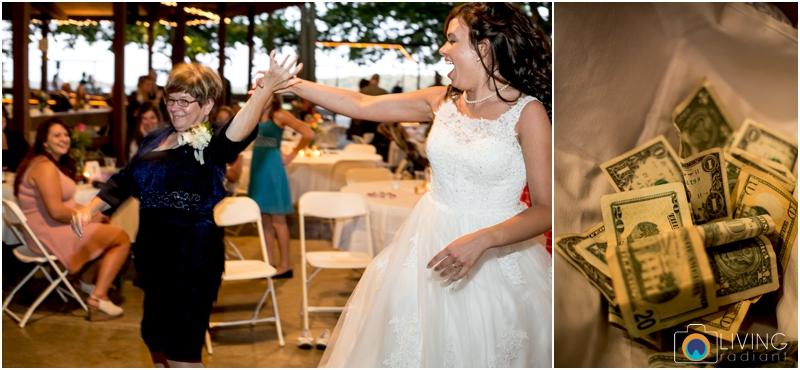 living-radiant-photography-marybeth-brad-wedding-pennsylvania-best-wedding-photographer_0033.jpg