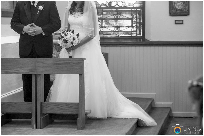 living-radiant-photography-marybeth-brad-wedding-pennsylvania-best-wedding-photographer_0037.jpg