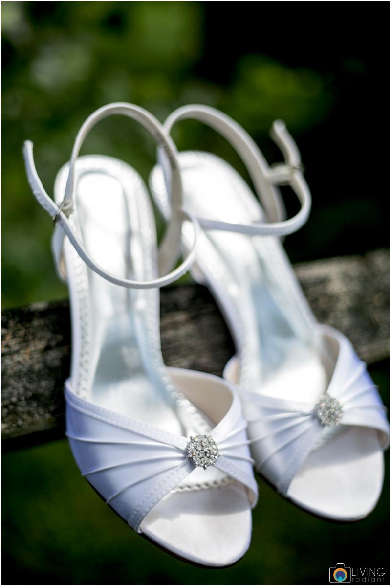 living-radiant-photography-marybeth-brad-wedding-pennsylvania-best-wedding-photographer_0040.jpg