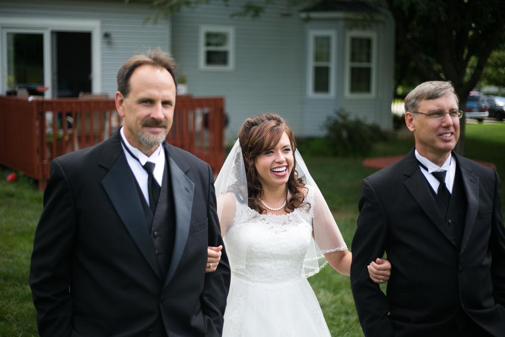 mary-brad-sizemore-wedding-naylor-vineyard-living-radiant-photography-2014-155.jpg