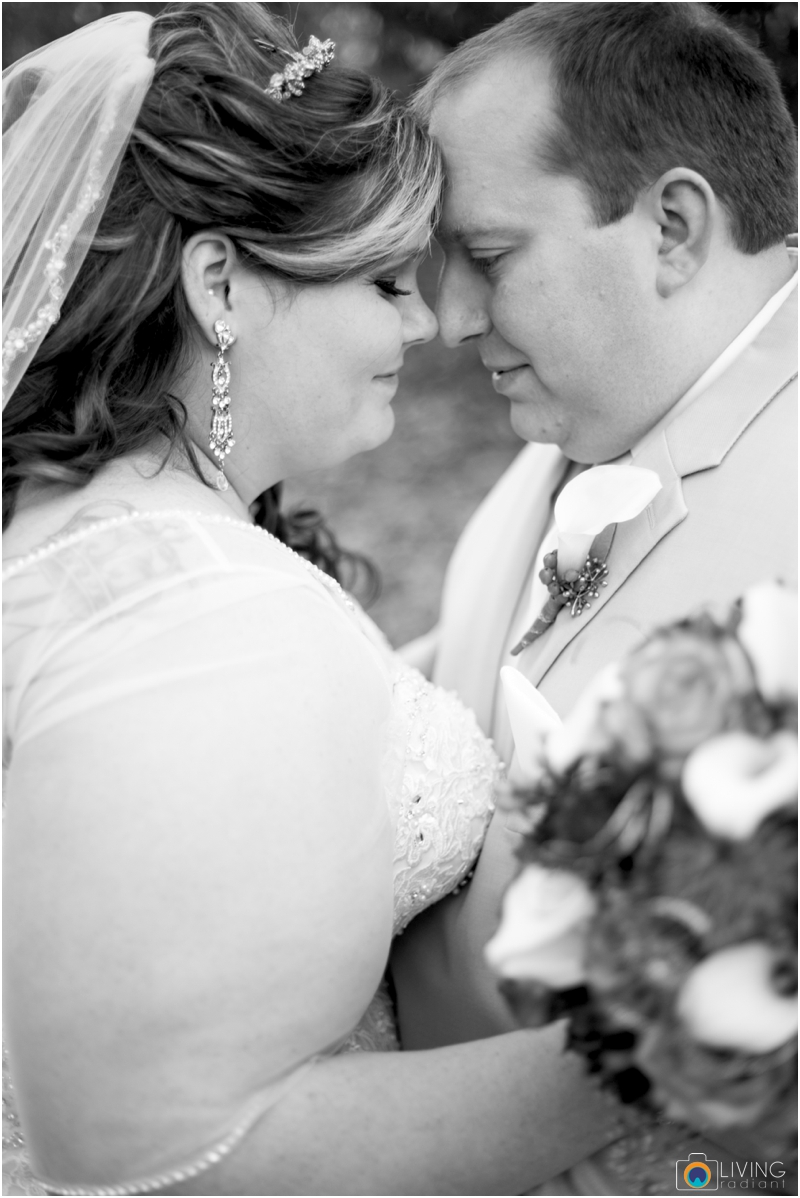 Kevin-Cassie-Pennsylvania-Littlestown-Chapel-Wedding-Living-Radiant-Photography_0023.jpg