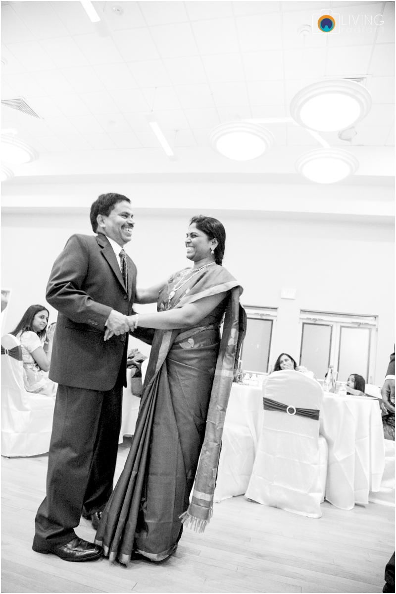 Velugula-Yellela-Indian-Indoor-Wedding-Living-Radiant-Photography-Cultural-Wedding_0028.jpg