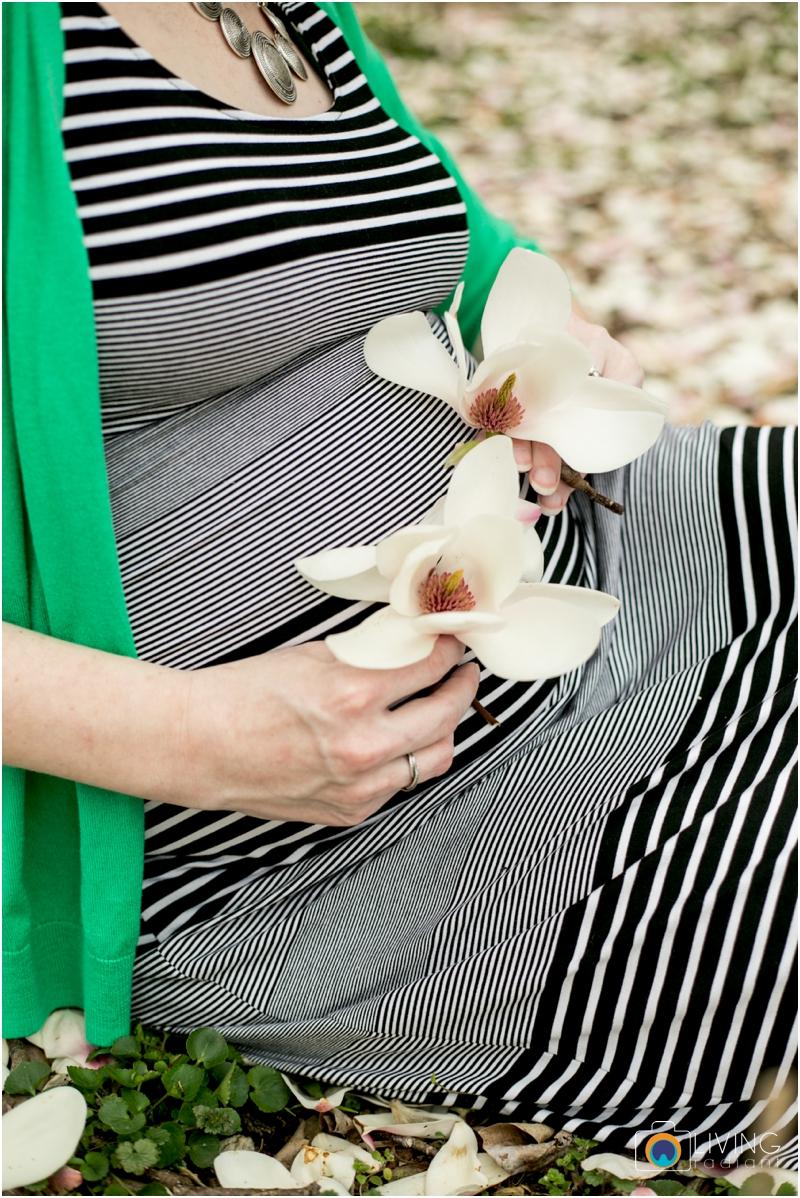 ashlee-chris-twin-maternity-clyburn-arboretum-living-radiant-photography-maggie-nolan-patrick-nolan_0053.jpg