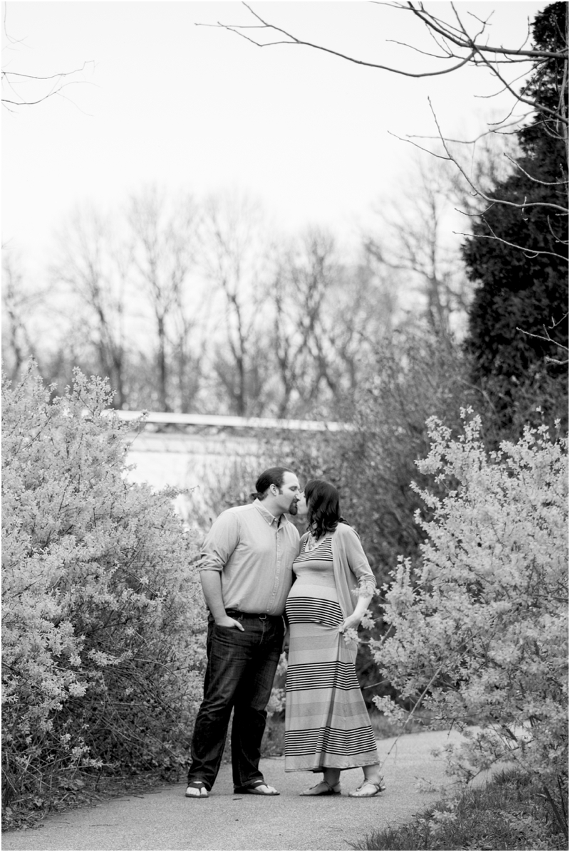 ashlee-chris-twin-maternity-clyburn-arboretum-living-radiant-photography-maggie-nolan-patrick-nolan_0066.jpg
