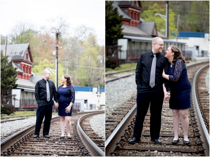 jason-jessica-balwins-station-maryland-living-radiant-photography-maggie-nolan-outdoor-engagement-session_0005.jpg