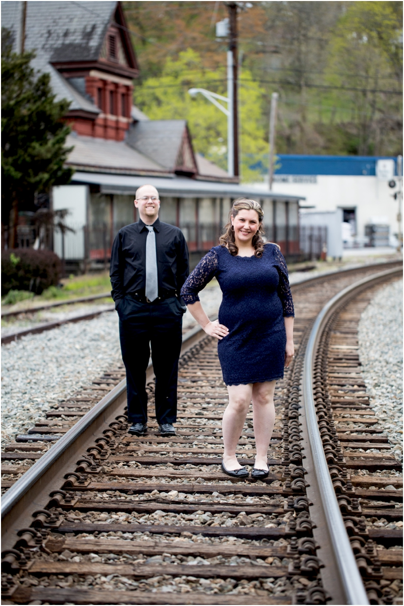 jason-jessica-balwins-station-maryland-living-radiant-photography-maggie-nolan-outdoor-engagement-session_0006.jpg