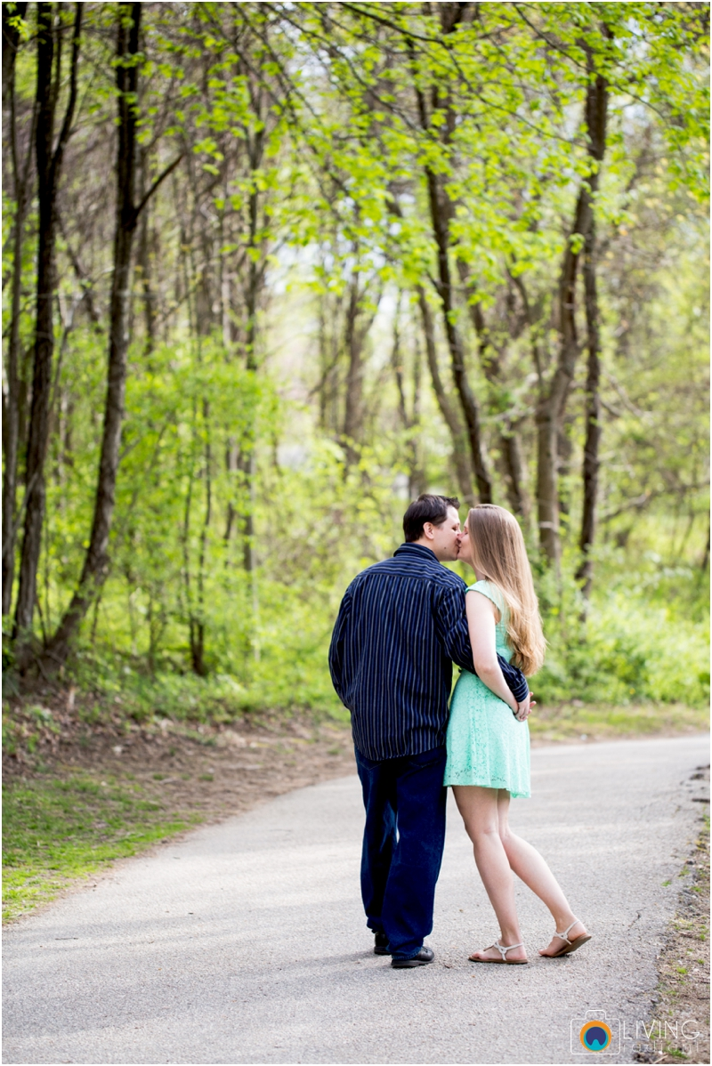 steph-brad-engagement-session-federal-hill-centennial-lake-park-outdoor-engaged-living-radiant-photography-maggie-patrick-nolan_0016.jpg