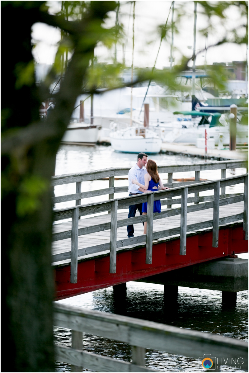 stephanie-tim-engagement-session-canton-downtown-inner-harbor-patterson-park-outdoor-wedding-living-radiant-photography-engagement-session-photography_0002.jpg