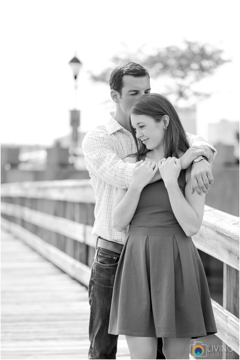 stephanie-tim-engagement-session-canton-downtown-inner-harbor-patterson-park-outdoor-wedding-living-radiant-photography-engagement-session-photography_0004.jpg