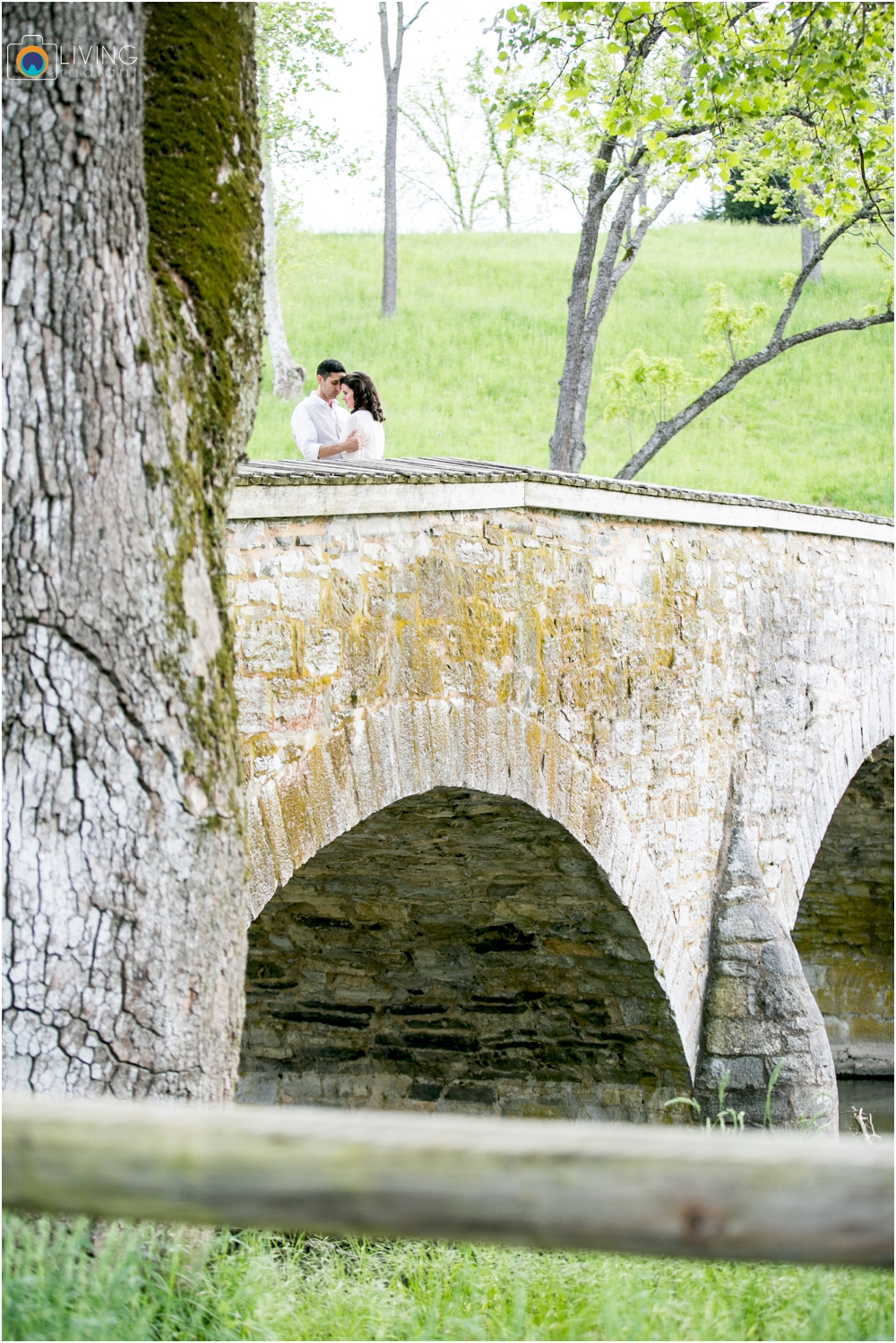 heather-carlos-outdoor-Antietam-National-Battlefield-engagement-session-living-radiant-phootgraphy-best-maryland-wedding-photographer_0005.jpg