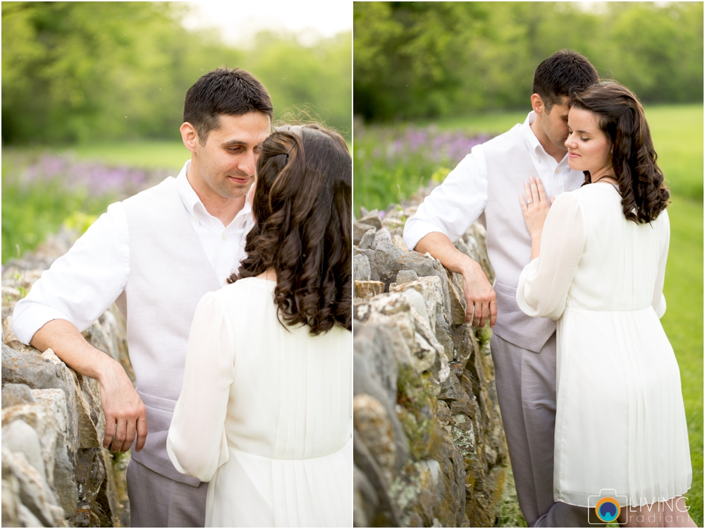 heather-carlos-outdoor-Antietam-National-Battlefield-engagement-session-living-radiant-phootgraphy-best-maryland-wedding-photographer_0010.jpg