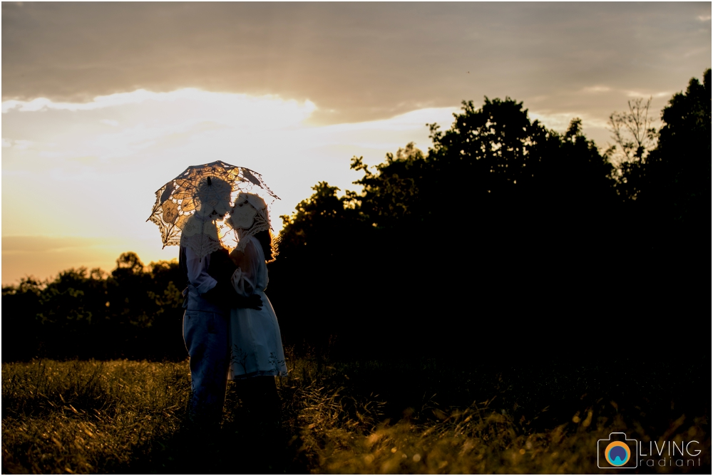 heather-carlos-outdoor-Antietam-National-Battlefield-engagement-session-living-radiant-phootgraphy-best-maryland-wedding-photographer_0023.jpg