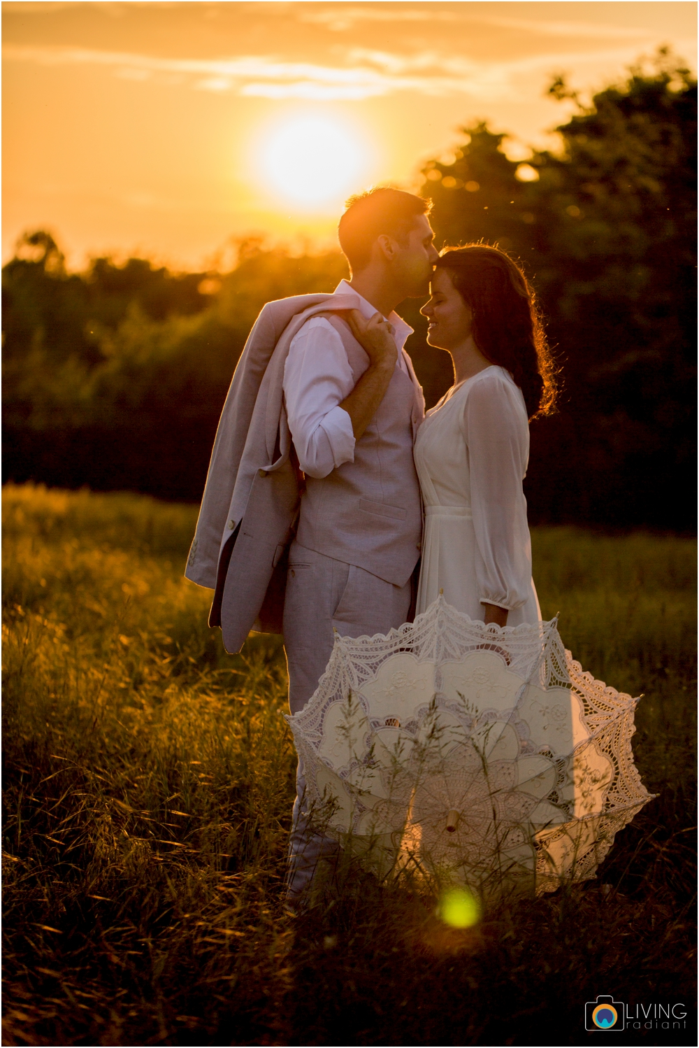 heather-carlos-outdoor-Antietam-National-Battlefield-engagement-session-living-radiant-phootgraphy-best-maryland-wedding-photographer_0026.jpg