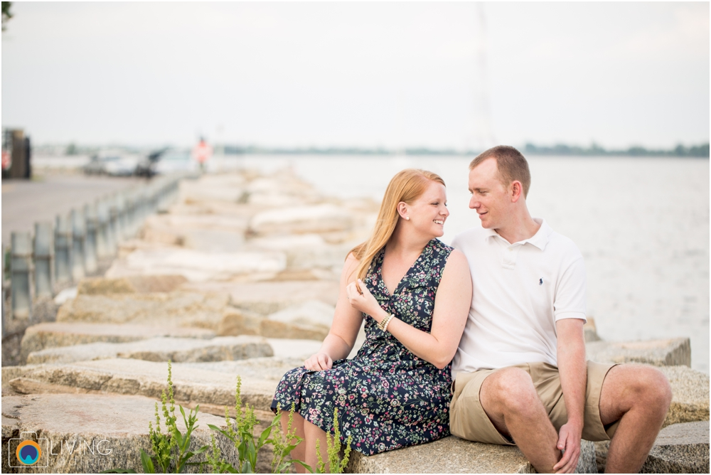 casey-clark-engaged-annapolis-downtown-naval-academy-engagement-session-living-radiant-photography-maggie-patrick-nolan-outdoor-water-boats_0031.jpg