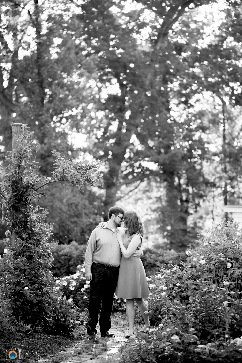 miriam-michael-engaged-clyburn-arboretum-engagement-session-baltimore-outdoor-flowers-living-radiant-photography-maggie-patrick-nolan_0015.jpg
