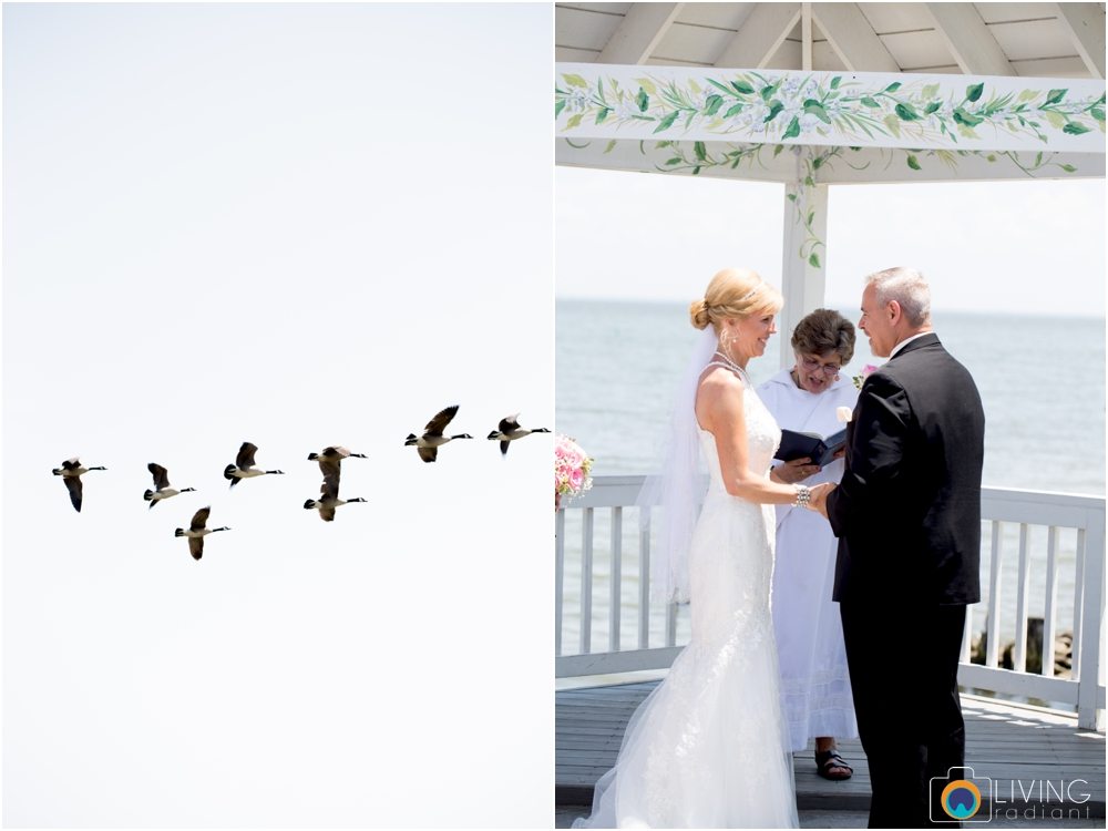 Kurtz's-Beach-Waterfront-Weddings-Outdoor-Living-Radiant-Photography-Maryland-Photos-Connie-Duane_0023.jpg