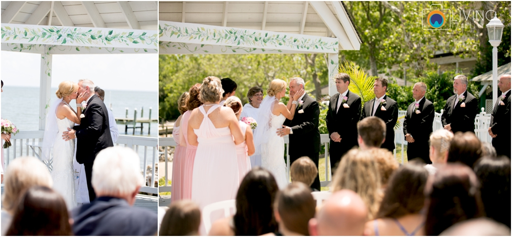 Kurtz's-Beach-Waterfront-Weddings-Outdoor-Living-Radiant-Photography-Maryland-Photos-Connie-Duane_0032.jpg