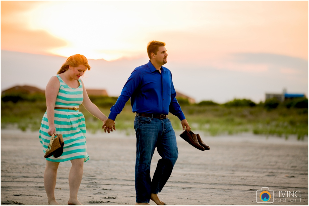brigintine-atlantic-city-engagement-session-beach-outdoor-nautical-engagement-ocean-water-photos-living-radiant-photography_0039.jpg