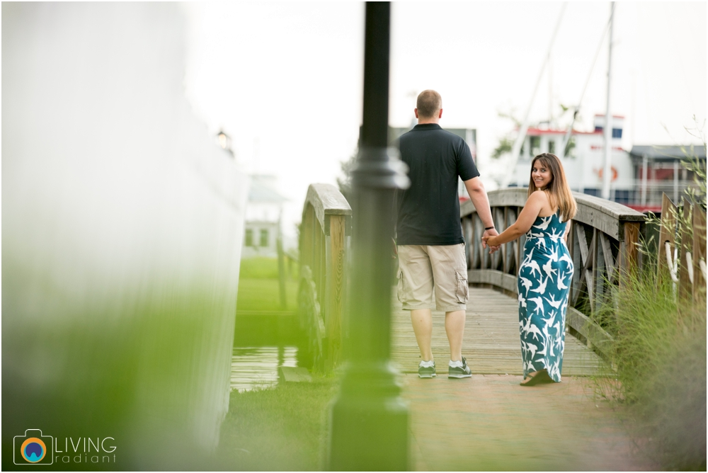 St.-Michaels-Engagement-Wedding-Photography-Living-Radiant-Photography-on-the-water-photos-Megan-Kevin_0001.jpg