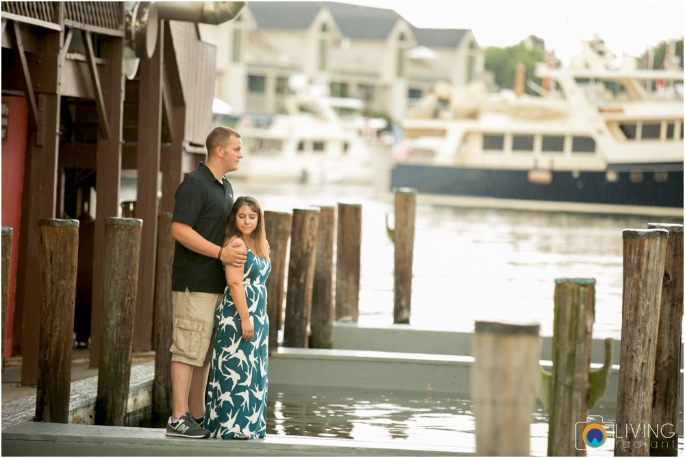 St.-Michaels-Engagement-Wedding-Photography-Living-Radiant-Photography-on-the-water-photos-Megan-Kevin_0010.jpg