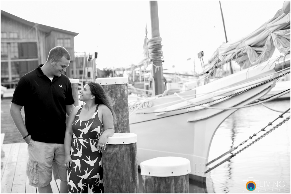 St.-Michaels-Engagement-Wedding-Photography-Living-Radiant-Photography-on-the-water-photos-Megan-Kevin_0015.jpg