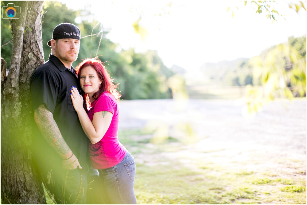 crystal-mike-engagement-session-ellicott-city-maryland-living-radiant-photography_0048.jpg