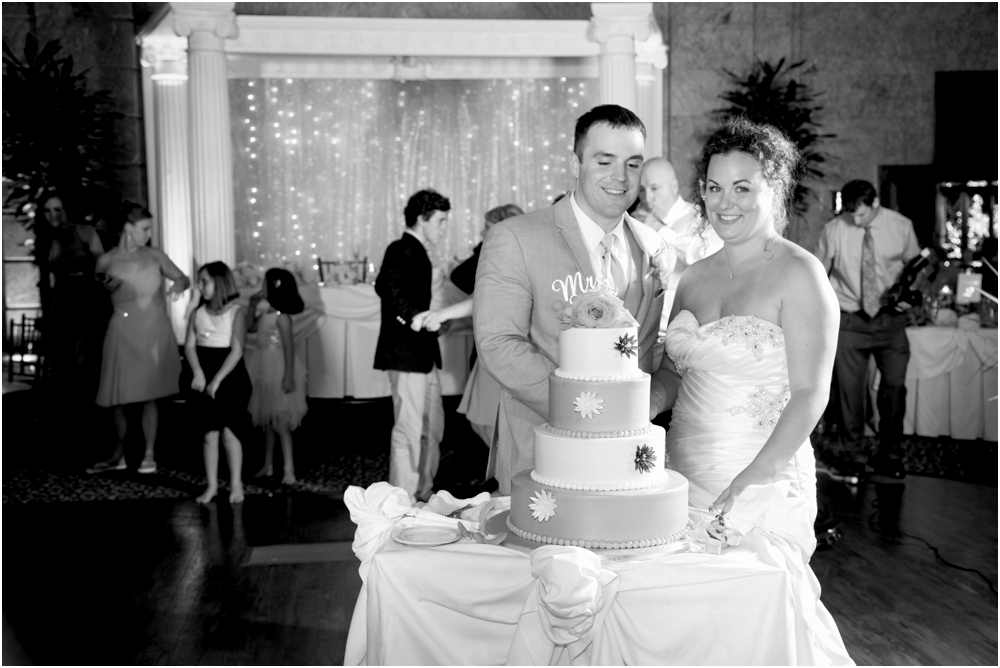 The-State-Room-Albany-NY-Wedding-Living-Radiant-Photography-Mulchahy-Wedding-Photos_0158.jpg