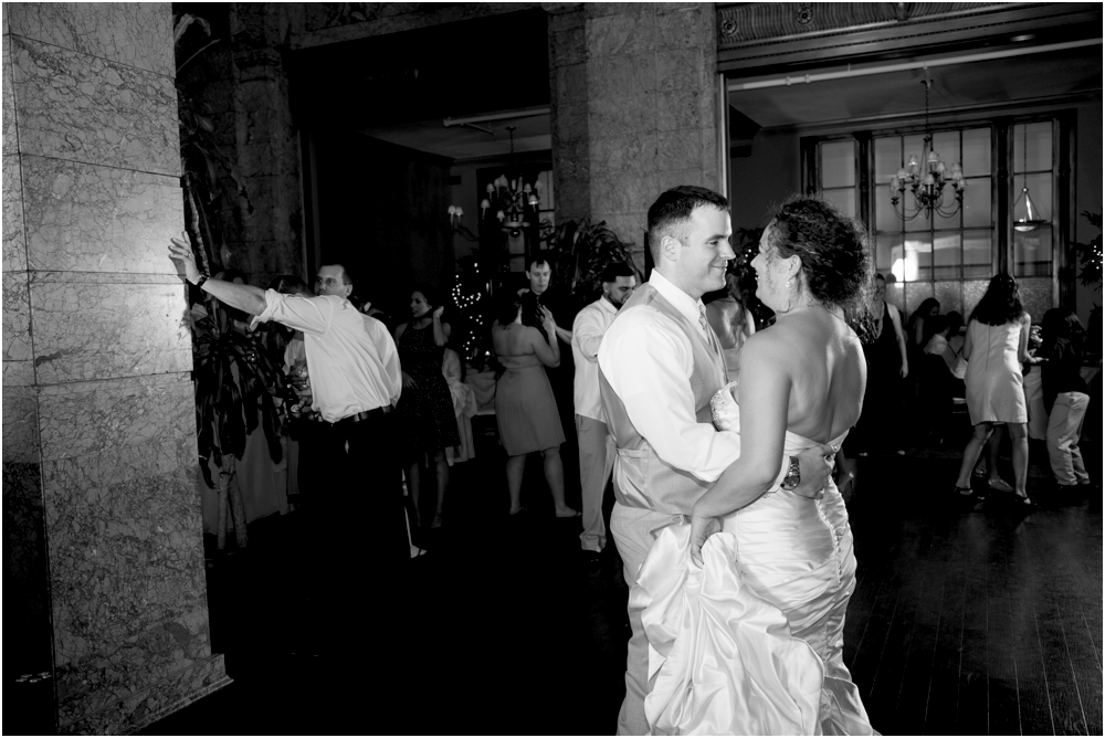 The-State-Room-Albany-NY-Wedding-Living-Radiant-Photography-Mulchahy-Wedding-Photos_0177.jpg
