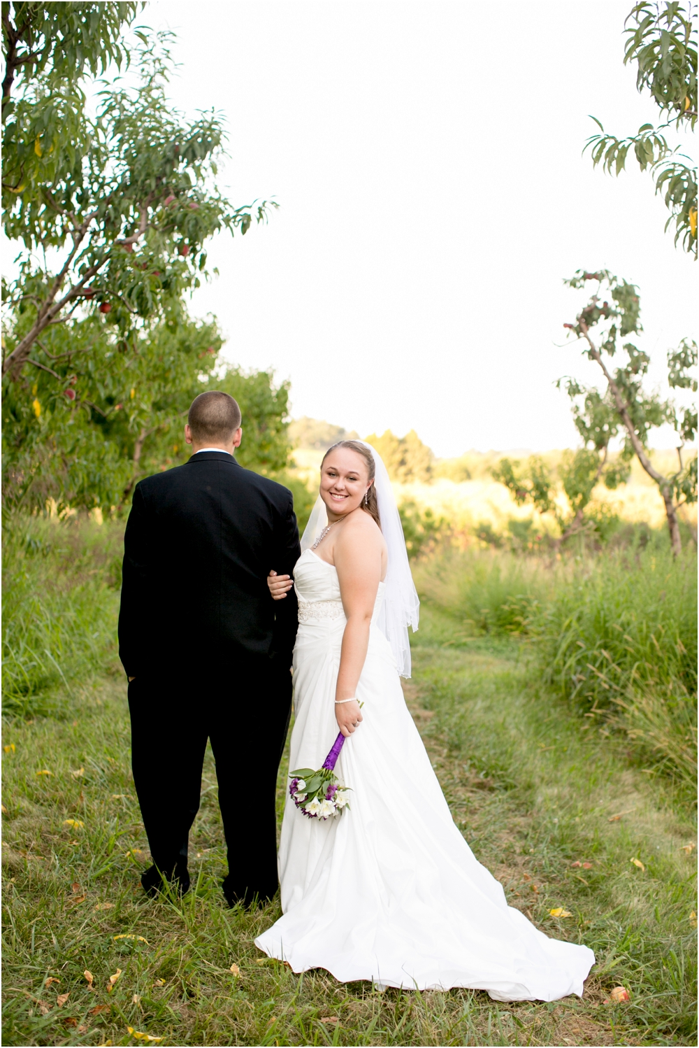 Welker Round Barn Farm Market Outdoor Wedding Living Radiant Photography-65_0099.jpg