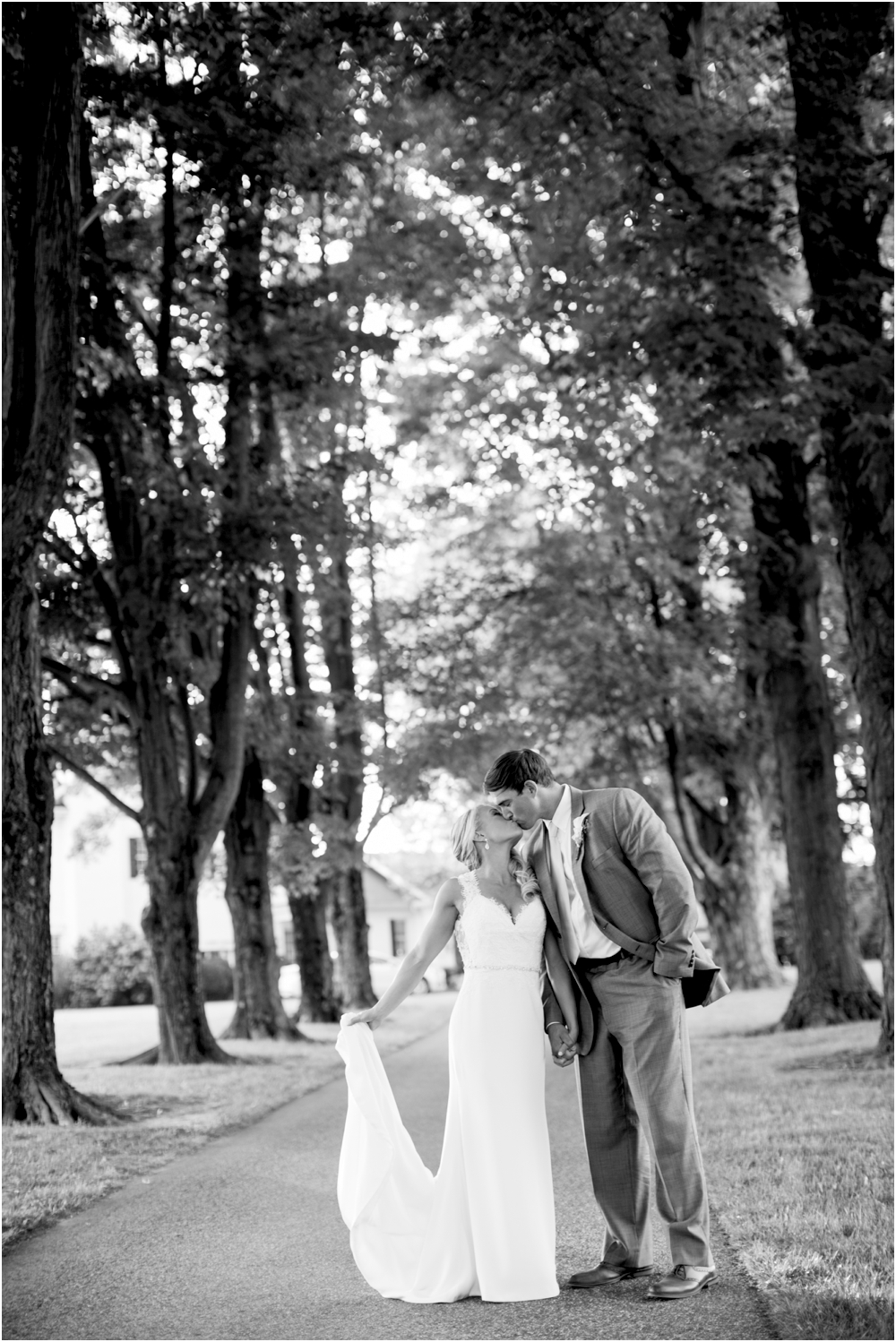 Justin Tiffany Inverness Farms Wedding Living Radiant Photography photos_0103.jpg