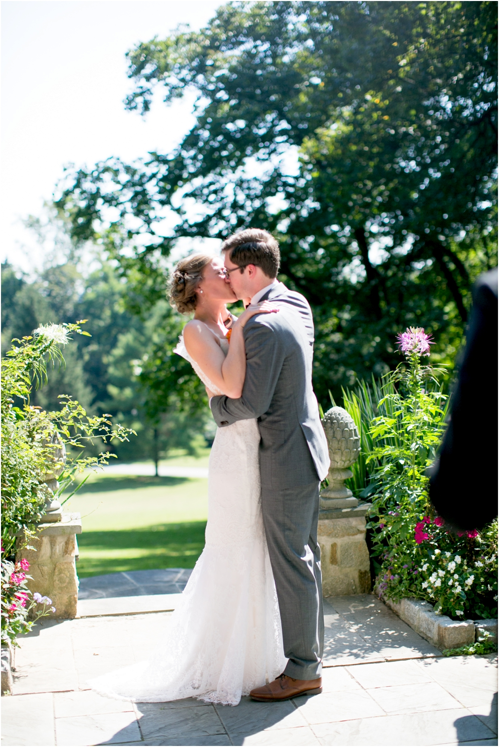 daniel chrissy gramercy mansion outdoor garden wedding living radiant photography_0083.jpg