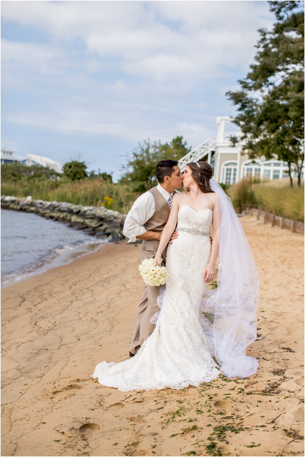 allison mario chesapeake bay beach club wedding living radiant photography_0057.jpg