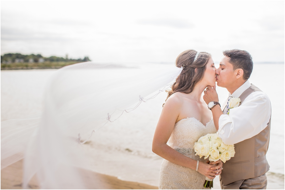 allison mario chesapeake bay beach club wedding living radiant photography_0059.jpg