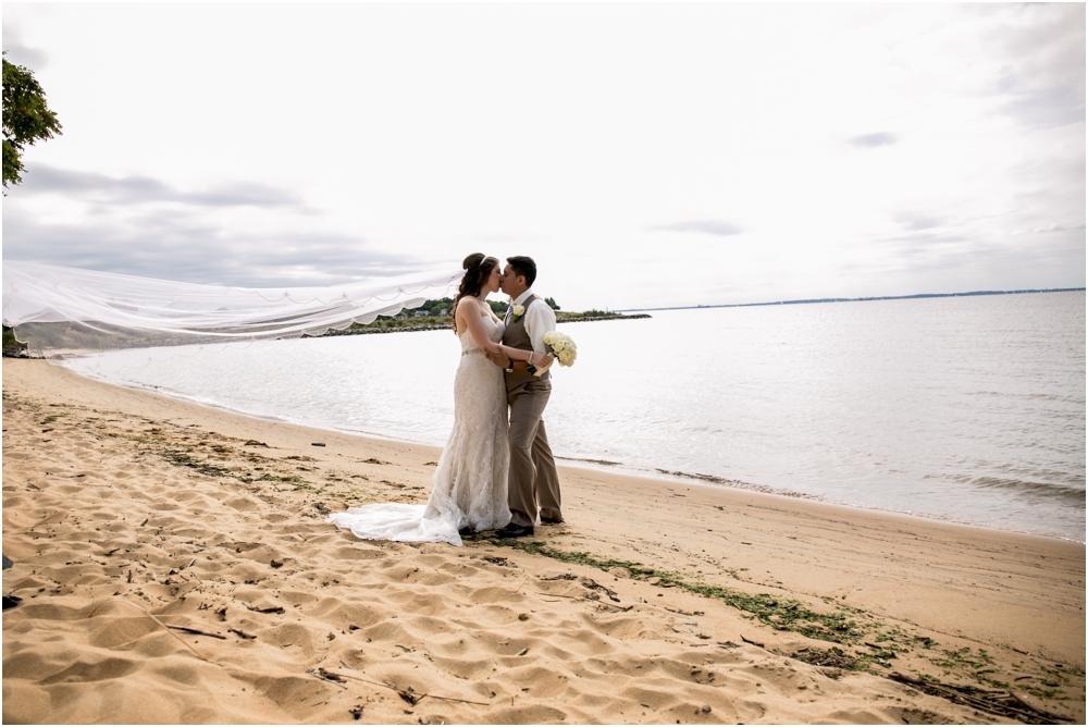 allison mario chesapeake bay beach club wedding living radiant photography_0062.jpg