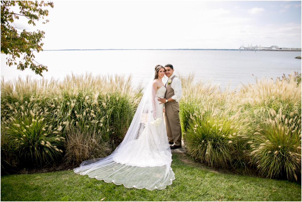 allison mario chesapeake bay beach club wedding living radiant photography_0073.jpg