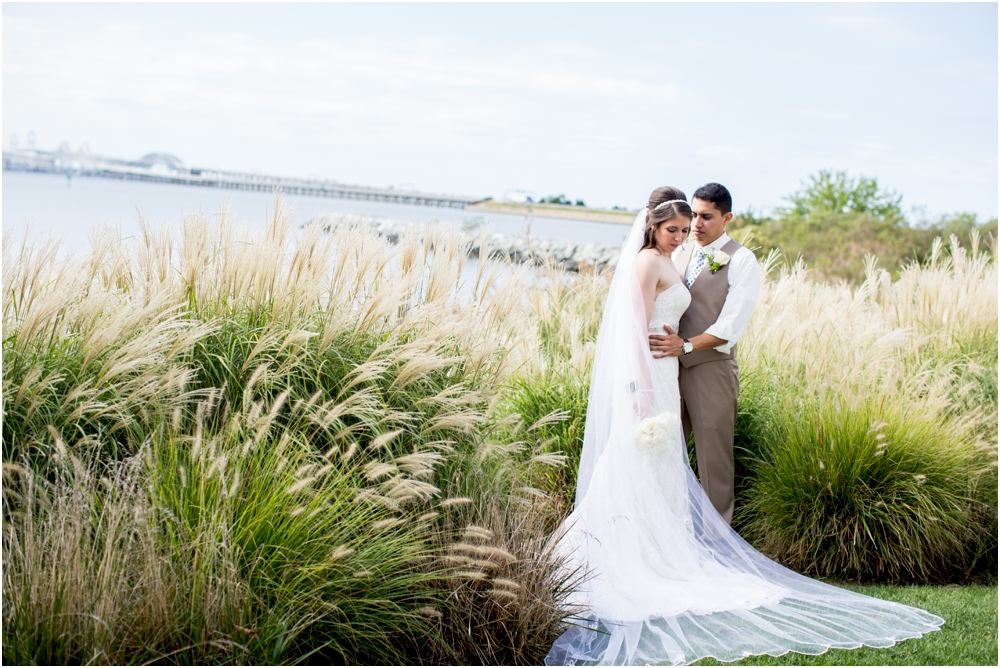 allison mario chesapeake bay beach club wedding living radiant photography_0076.jpg