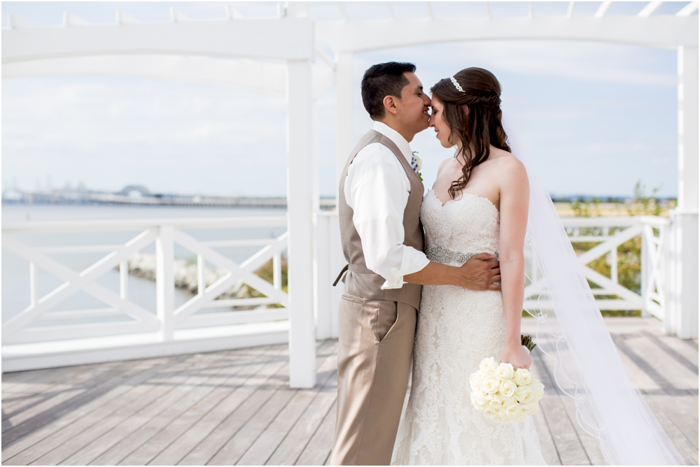 allison mario chesapeake bay beach club wedding living radiant photography_0085.jpg